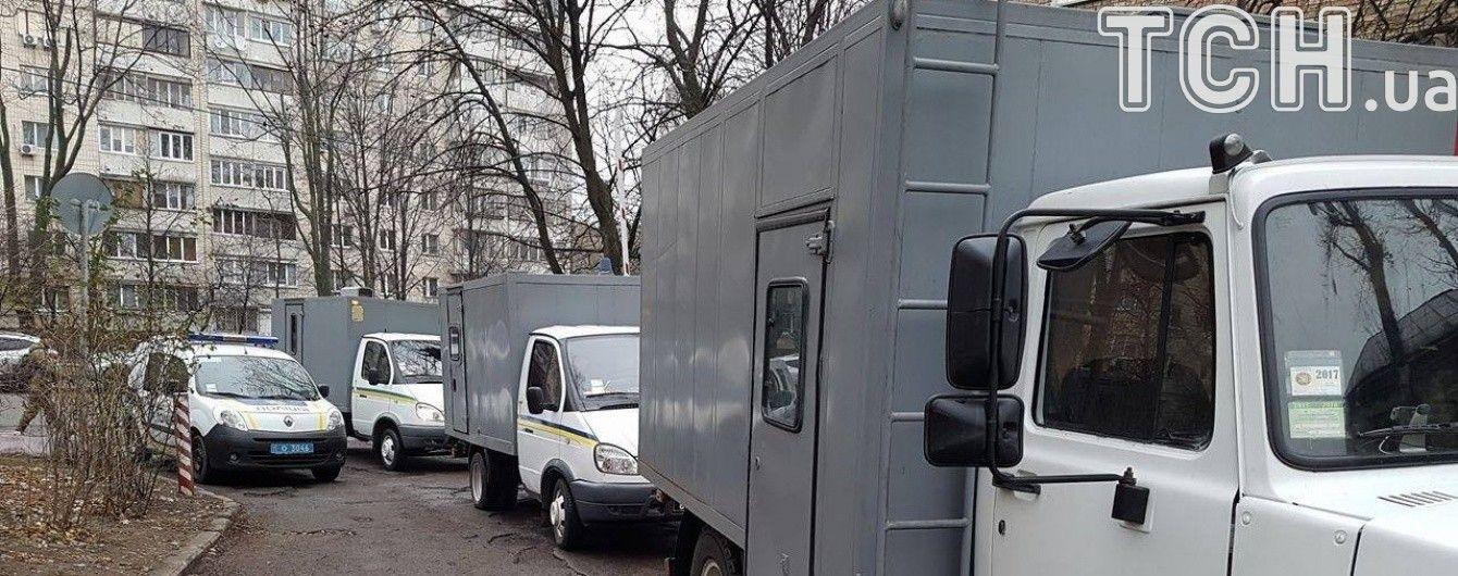 Активісти розблокували Лук'янівське СІЗО після перенесення допиту Януковича