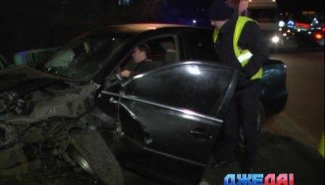 Столичный водитель разбил не только свою машину, но и уничтожил чужое авто