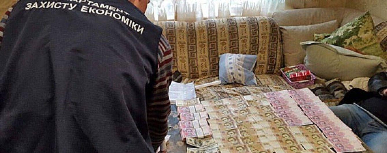 МВС викрило корупційну схему чиновників КМДА, які за 3 роки придбали 28 квартир