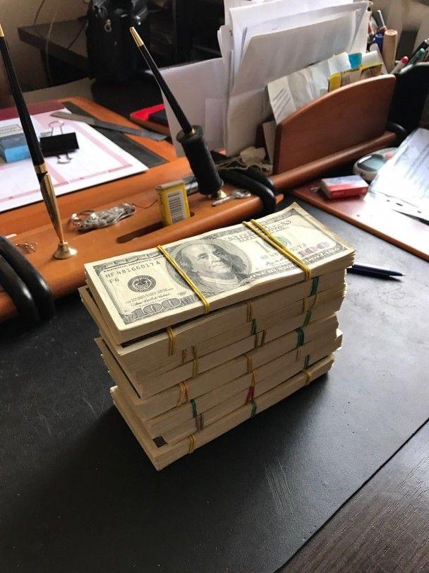 """В Одесі військові чиновники погоріли на вимаганні майже мільйона доларів з підприємців """"7 кілометра"""""""