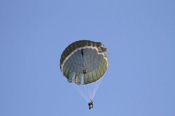 У ЗСУ здійснили понад півсотні стрибків із новими парашутами