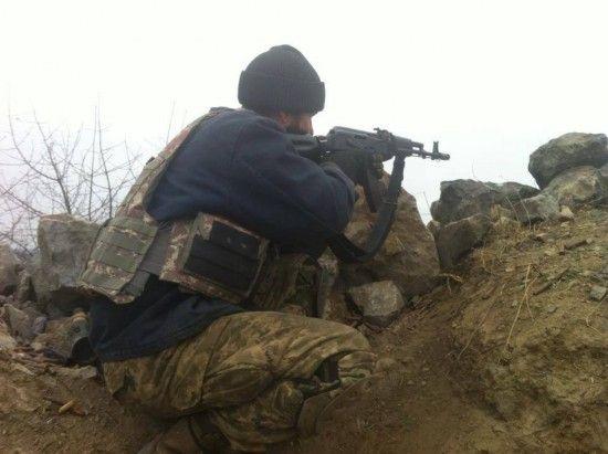 На Донбасі під час обстрілів бойовиків були поранені троє українських бійців. Хроніка АТО