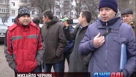 На Киевщине местные власти приказали снести незаконные гаражи