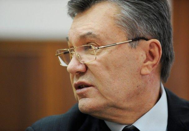 Переповнений суд у Києві і спокійний Янукович: як допитували колишнього президента України