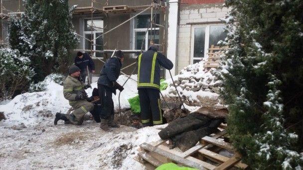 На Чернігівщині під час земляних робіт загинув чоловік під залізобетонною плитою