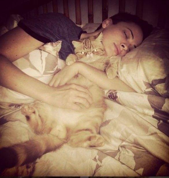 Астаф`єва зі своїми котами_2