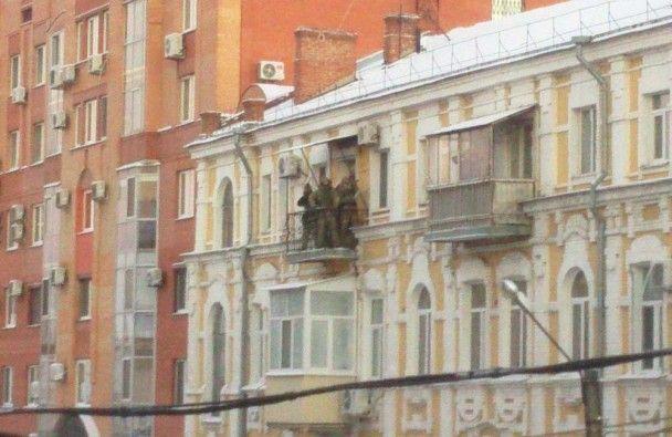 У центрі Полтави силовики зі стріляниною затримали небезпечного злочинця