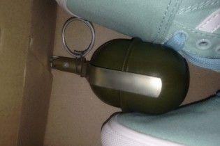 Поліція затримала досвідченого злодія, що зберігав боєприпаси у камері схову столичного супермаркета