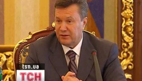 Янукович перепутал годы рождения и смерти Шевченко