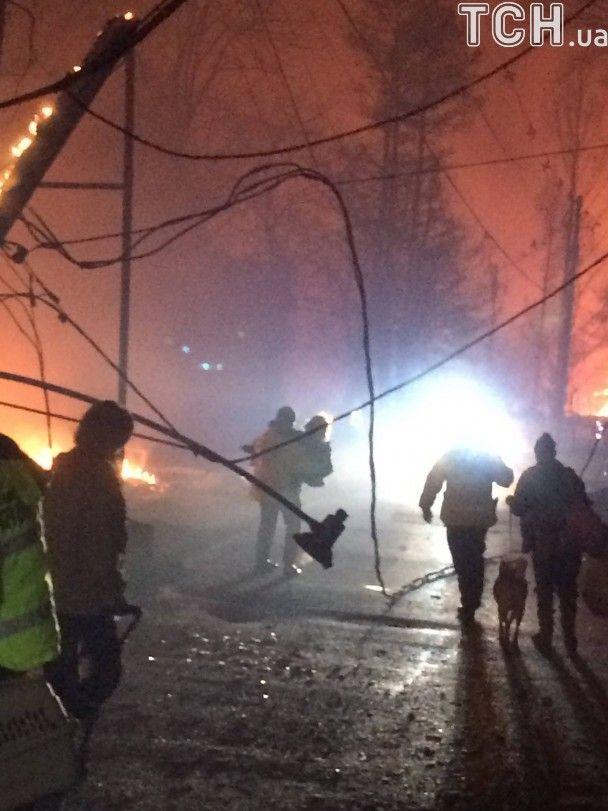На півдні США вирує страшна пожежа й смертоносне торнадо: є загиблі
