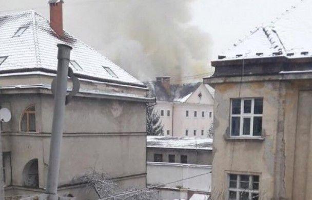 В Ужгороді загорілася в'язниця