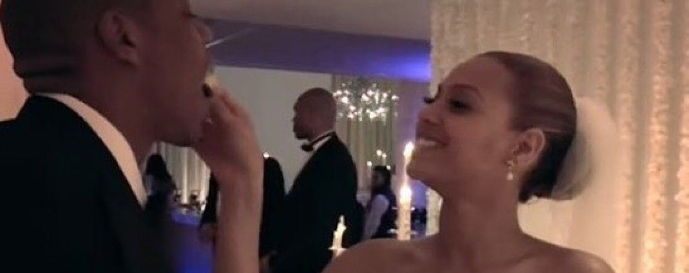 Бейонсе показала ранее невиданные кадры из частной жизни в новом клипе