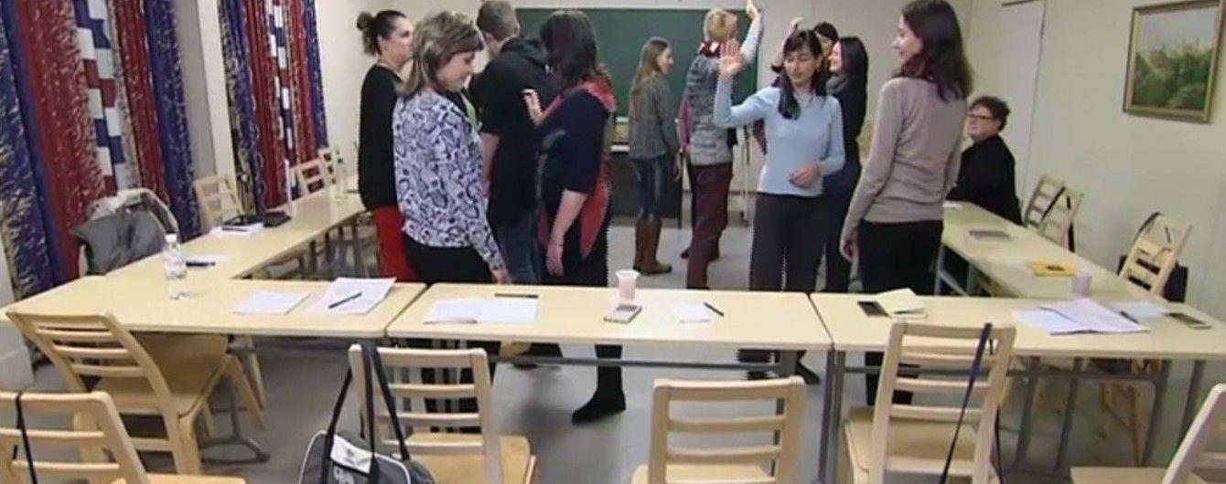 Без сидіння за партами та з учителями-носіями мов: як фінська освіта стала кращою у світі