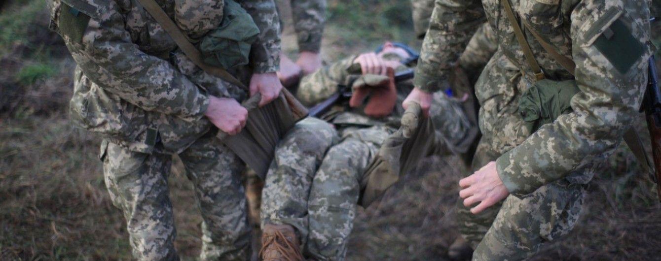 Важко поранений бойовиками військовий помер у лікарні – штаб АТО
