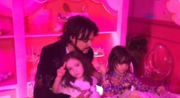 Філіп Кіркоров відсвяткував день народження доньки_1