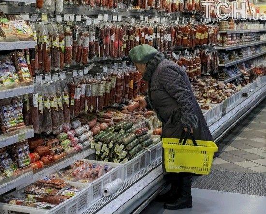 У Миколаєві юнак пограбував магазин, щоб гідно зустріти кохану з сином з пологового