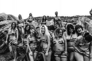 Оголені та прекрасні. Канадська фотограф виступила проти цензури тіла у Facebook