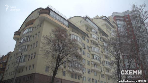 будинок, де є квартира дружинт Костянтина Бриля Майї