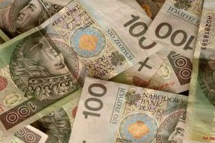 Середня зарплата в Польщі вчетверо перевищила показник в Україні