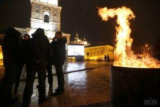 У Мережі з'явилося відео із Михайлівського монастиря в ніч розстрілу Небесної сотні