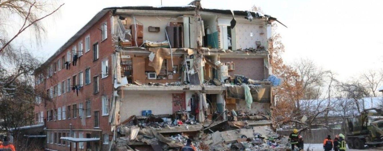 Отремонтированое после обвала общежитие в Чернигове покрылось новыми трещинами
