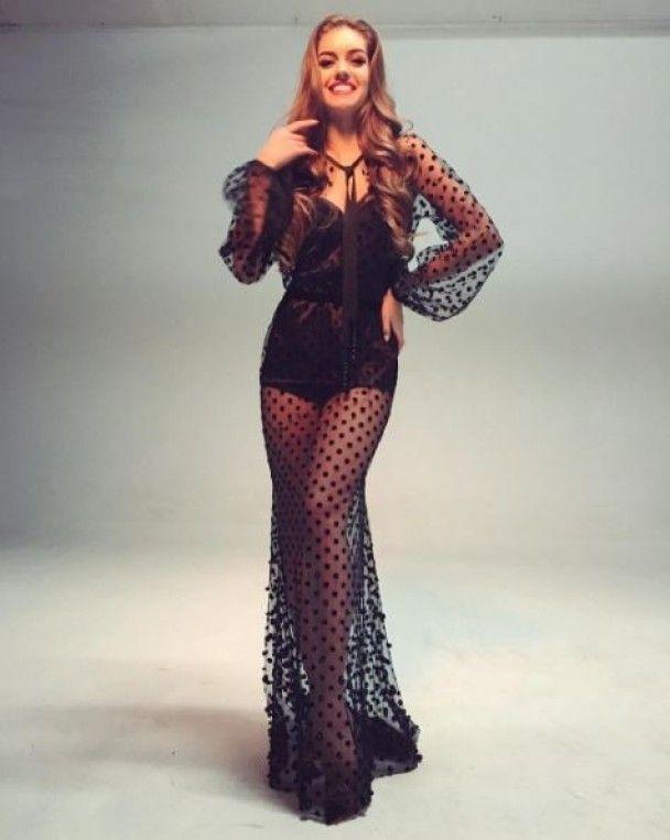 """Экспрессивные танцы и лучезарная улыбка. Что постит в Instagram украинская конкурсантка """"Мисс Мира"""""""