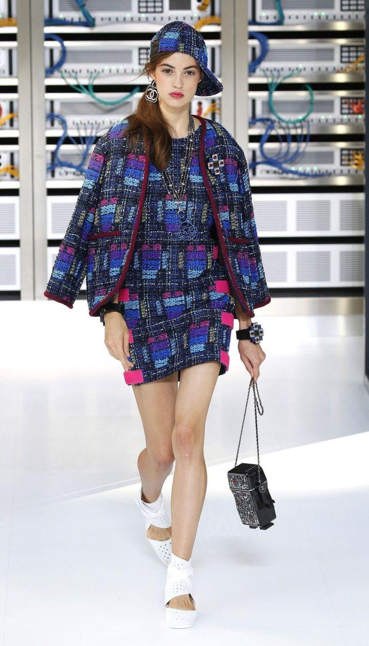 Коллекция Chanel прет-а-порте сезона весна-лето 2017 @ East News