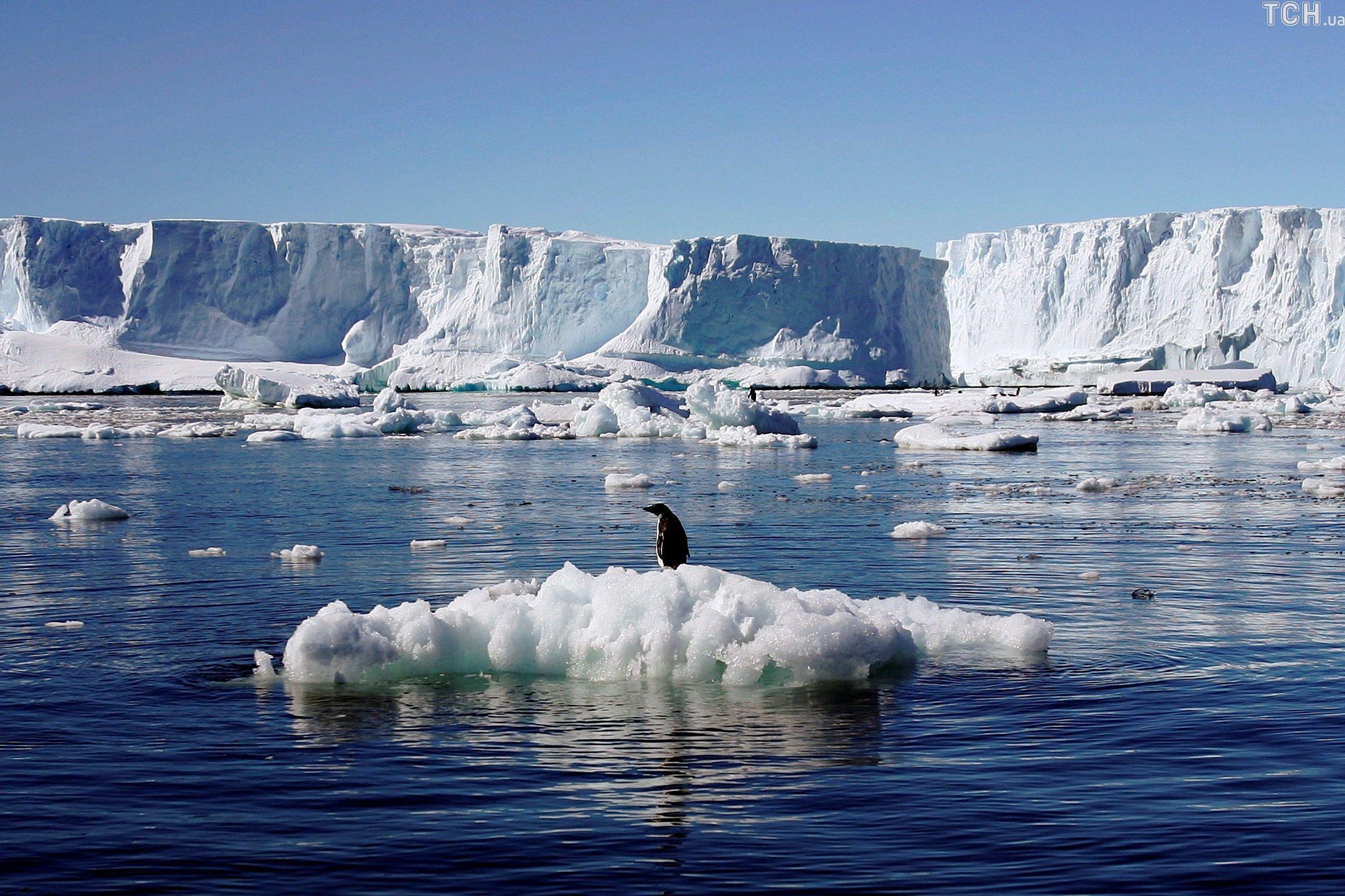 кратер у Антарктиді