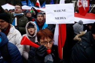 Польські протести: уряд країни 19 грудня проведе переговори  із журналістами
