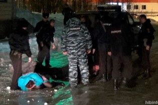 У Росії корпоратив співробітниць психлікарні завершився феєричною бійкою через кульку, яка лопнула