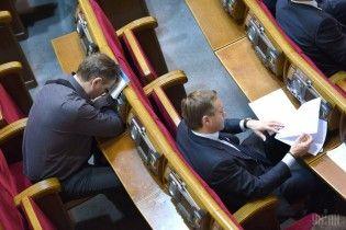 В октябре депутаты установили антирекорд по посещаемости заседаний