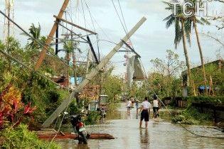 Разрушительный тайфун на Филиппинах унес жизни шестерых человек