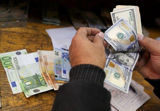 Доллар подорожает, а евро подешевеет. Нацбанк установил курсы валют после выходных