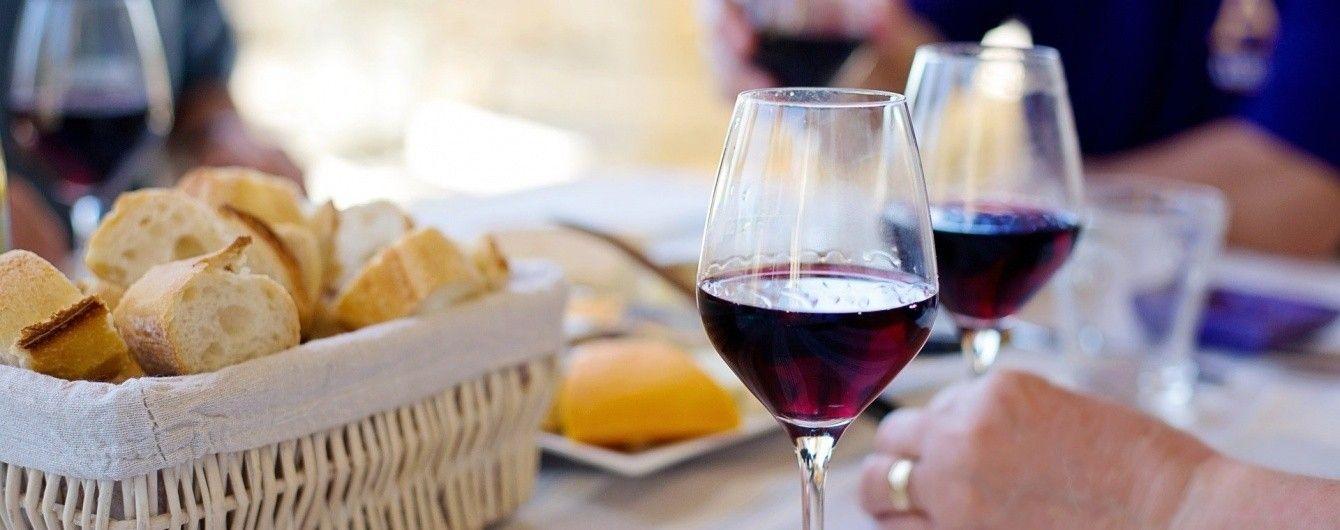 Парламент Молдовы признал вино продуктом питания, а не алкоголем