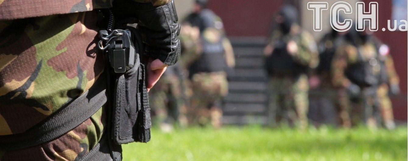 В анексованому Криму окупанти обшукали будинок татарина і забрали чоловіка до відділку