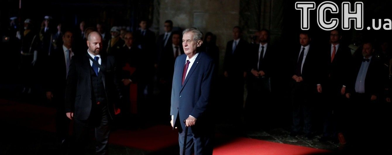 Сенат Чехии обвинил Земана в легитимизации агрессии России из-за заявлений о Крыме