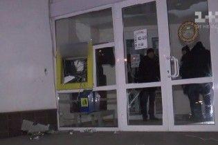 У Сумах злодії підірвали банкомат і прихопили із собою готівку