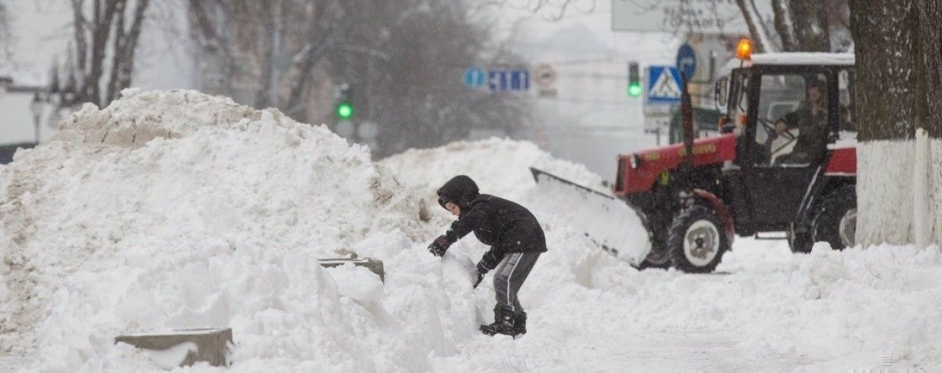 Синоптики спрогнозували, де в Україні йтимуть сильні снігопади у вівторок