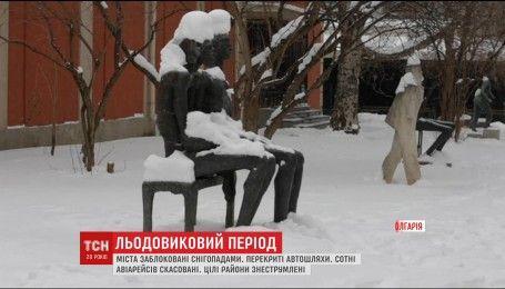 Сильный мороз и вьюга парализовали большую часть Европы