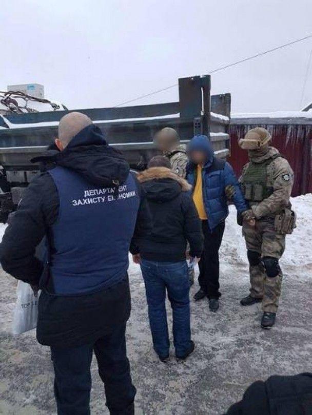 На Харківщині чиновники міськради підозрюються у системному вимаганні хабарів з підприємців