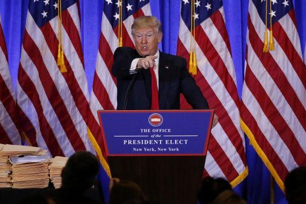 Найяскравіші фото дня: сльози Обами і злість Трампа