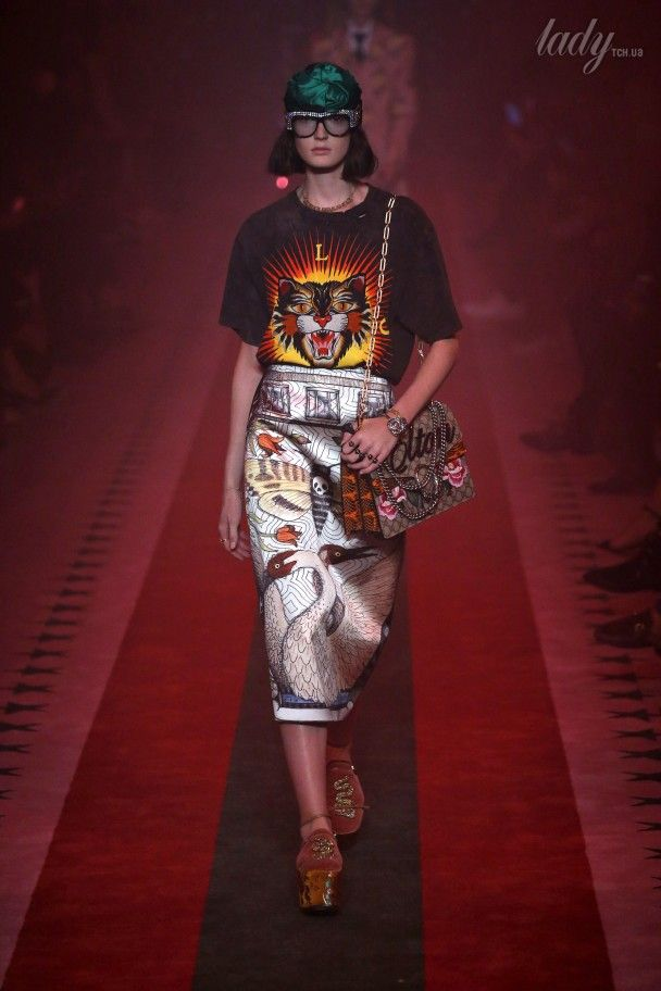 Яркая и восточная коллекция Gucci сезона весна-лето 2017