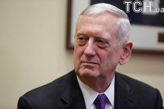 Глава Пентагону не згодний із Трампом і переконаний, що трансгендери можуть залишатися в армії США