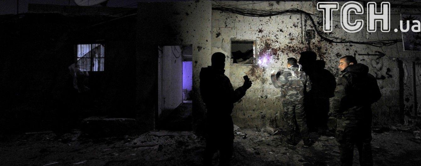 У Сирії авіація Асада нанесла низку авіаударів по передмістю Дамаска: десятки загиблих
