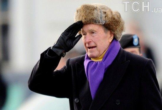 Колишній президент США Джордж Буш-старший знову потрапив до лікарні