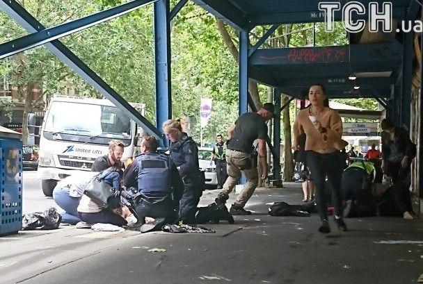В Австралії вантажівка влетіла в натовп людей: є жертви та поранені