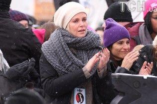 Обурена Мадонна та Шарліз Терон в сльозах: як зірки підтримали марш проти Трампа