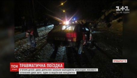 Пятеро детей и двое взрослых получили травмы в ДТП на Прикарпатье