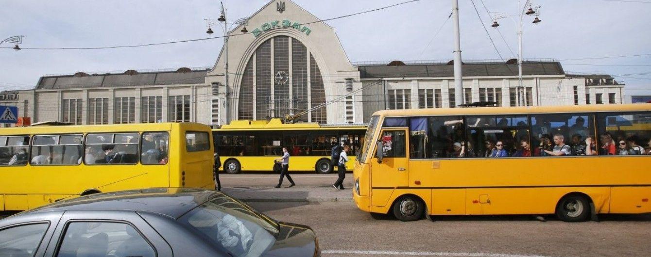 В Киеве незаконно работает почти половина маршруток – КГГА