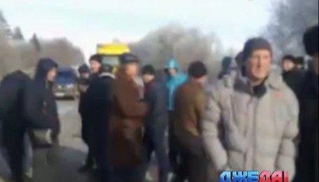 Перевозчики перекрыли дорогу на Тернопольщине